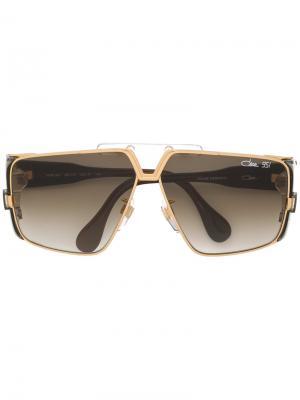 Солнцезащитные очки в геометрической оправе Cazal. Цвет: коричневый