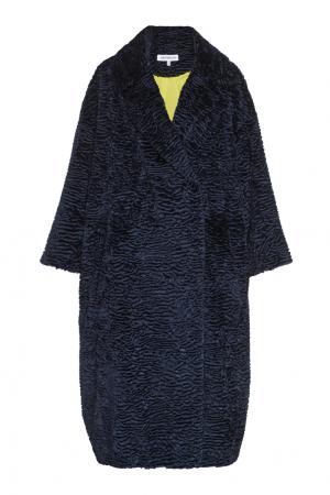 Пальто из эко-меха Masterpeace. Цвет: синий