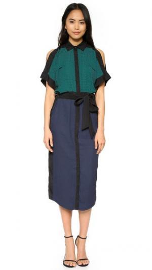 Длинное платье с открытыми плечами Ohne Titel. Цвет: изумрудный/темно-синий принт