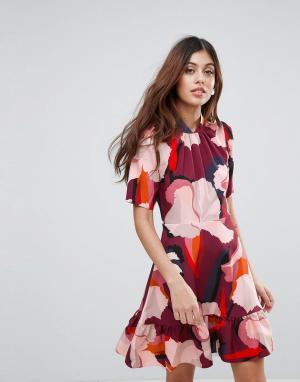 Closet London Платье с оборками и принтом. Цвет: мульти