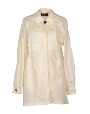 Легкое пальто AQUASCUTUM. Цвет: слоновая кость