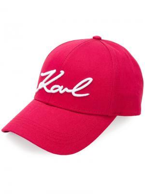 Кепка Signature с логотипом Karl Lagerfeld. Цвет: розовый и фиолетовый