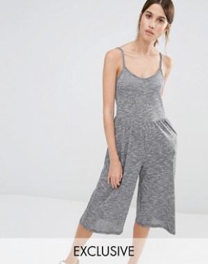 Stitch & Pieces Комбинезон с юбкой‑шортами. Цвет: серый