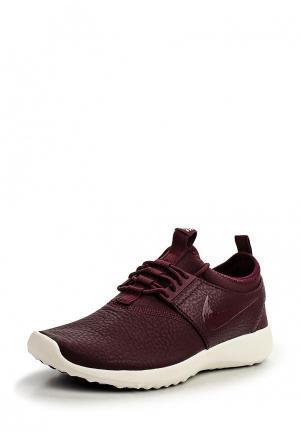 Кроссовки Nike. Цвет: бордовый