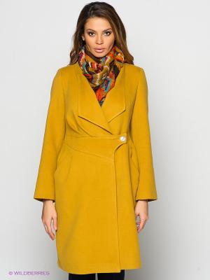 Пальто Lussotico. Цвет: горчичный