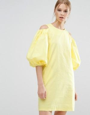Style Mafia Желтое платье с вырезами на плечах. Цвет: желтый