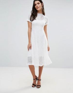 Goldie Кружевное расклешенное платье миди цвета слоновой кости Romanti. Цвет: кремовый