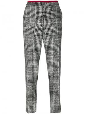Зауженные брюки в ломаную клетку Fendi. Цвет: чёрный