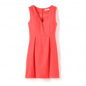 Платье без рукавов приталенного покроя MOLLY BRACKEN. Цвет: коралловый