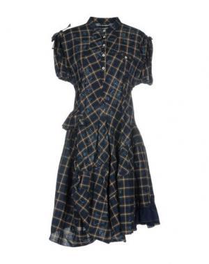 Короткое платье HIGH. Цвет: темно-синий