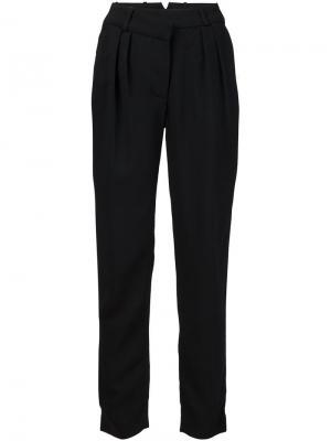 Плиссированные брюки кроя слим Urban Zen. Цвет: чёрный