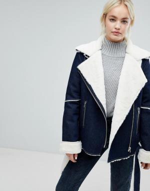 J.O.A Джинсовая байкерская куртка с подкладкой из искусственного меха. Цвет: синий