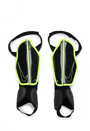 Щитки Nike. Цвет: черный