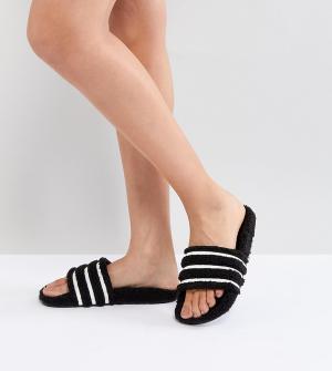 Adidas Originals Черные шлепанцы Adilette. Цвет: коричневый