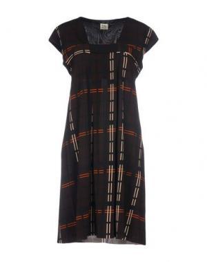 Короткое платье SIYU. Цвет: какао
