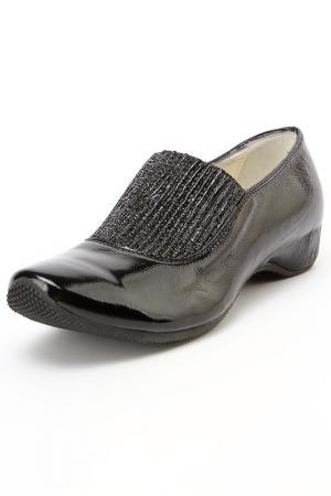 Туфли закрытые Kelton. Цвет: черный