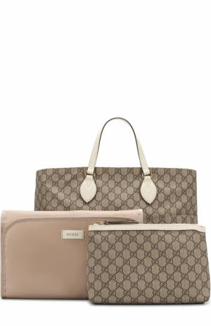Комплект из сумки с косметичкой и ковриком для пеленания Gucci. Цвет: белый
