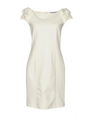 Короткое платье CHILI PEPPERS. Цвет: белый