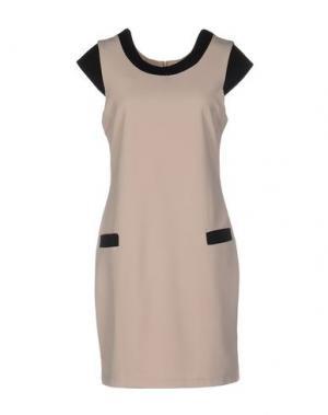 Короткое платье ANGEL EYE. Цвет: бежевый