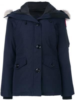 Пальто с капюшоном Canada Goose. Цвет: синий