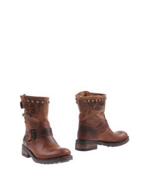 Полусапоги и высокие ботинки GIACKO. Цвет: коричневый