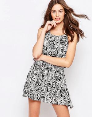 Diya Платье с геометрическим принтом. Цвет: черный