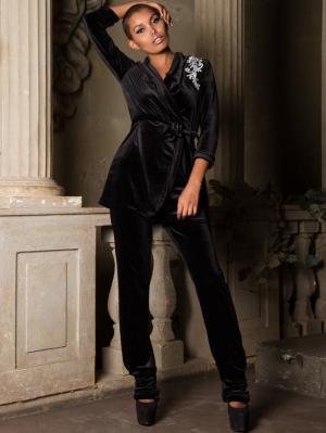 Бархатный костюм в пижамном стиле Firma. Цвет: черный, серый, серебристый