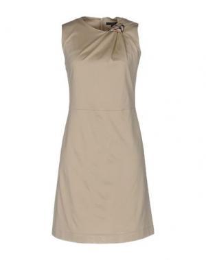 Короткое платье DAKS LONDON. Цвет: бежевый