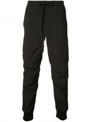 Спортивные брюки Maharishi. Цвет: чёрный