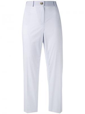 Клетчатые брюки Salvatore Ferragamo. Цвет: белый