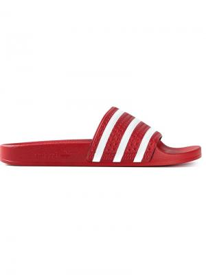 Шлёпанцы Adilette Adidas Originals. Цвет: красный