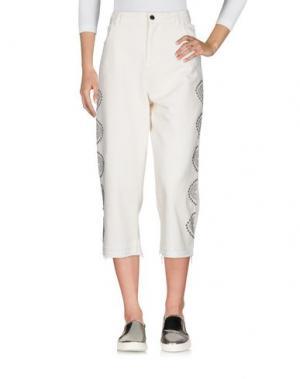Джинсовые брюки-капри LANEUS. Цвет: слоновая кость