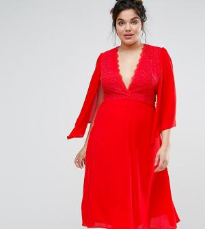 John Zack Plus Платье миди с кружевом и кейпом. Цвет: красный
