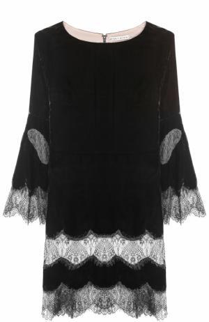 Приталенное бархатное мини-платье с кружевной отделкой Alice + Olivia. Цвет: черный