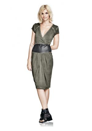 Платье Mandarin. Цвет: оливковый