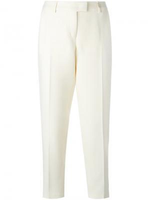 Укороченные классические брюки Fendi. Цвет: белый