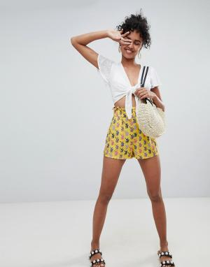 Monki Желтые шорты с принтом. Цвет: желтый