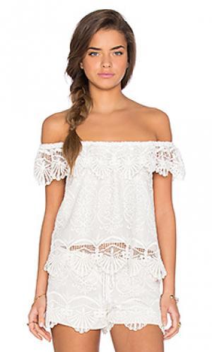 Блуза с открытыми плечами seashell Nightcap. Цвет: белый