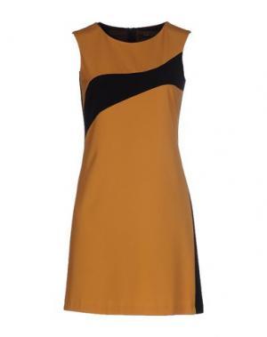 Короткое платье MY SIS. Цвет: охра