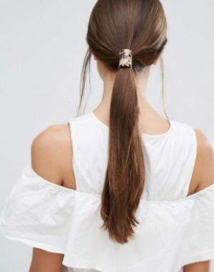 Orelia Резинка для волос c серо-коричневой пластинкой. Цвет: коричневый