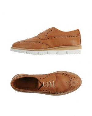 Обувь на шнурках JULIE DEE. Цвет: коричневый