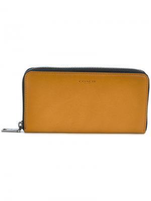 Zip-around wallet Coach. Цвет: коричневый