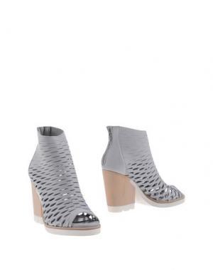 Полусапоги и высокие ботинки STRATEGIA. Цвет: светло-серый