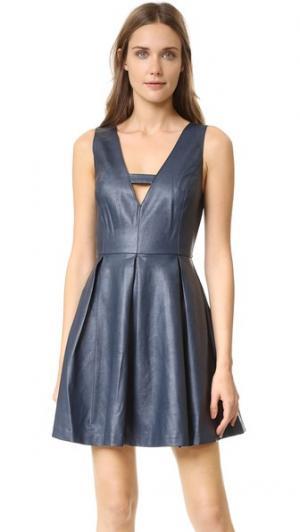 Мини-платье из искусственной кожи J.O.A.. Цвет: темно-синий
