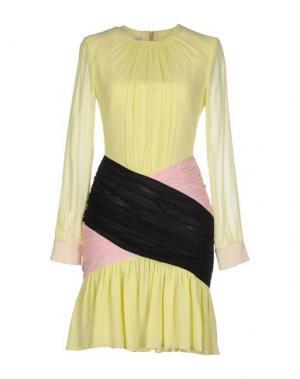 Короткое платье DANIELE CARLOTTA. Цвет: желтый