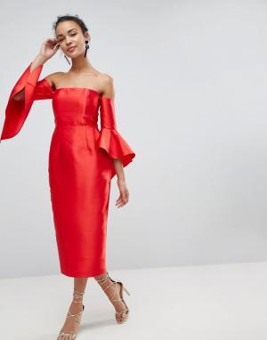 ASOS Платье-бандо миди с рукавами клеш. Цвет: красный