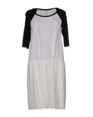 Платье до колена PIANURASTUDIO. Цвет: белый