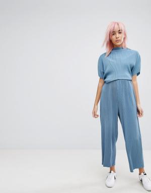 Weekday Плиссированные брюки. Цвет: синий