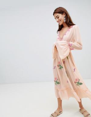 Anmol Пляжное платье миди с глубоким вырезом и вышивкой. Цвет: мульти