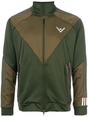 Спортивная куртка на молнии Adidas. Цвет: зелёный